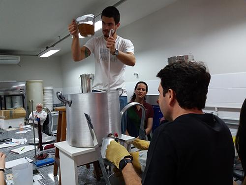 curso de cerveja artesanal Fermentec filtracao e lavagem